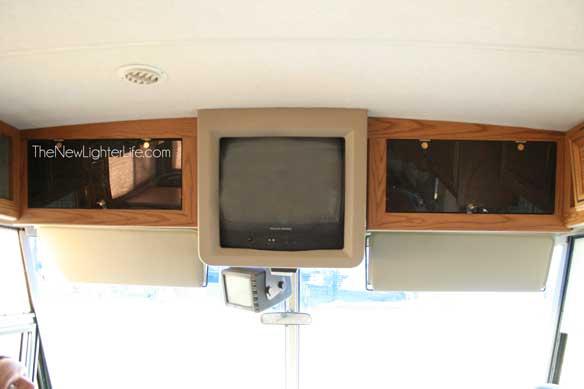 96-winnebago-adventurer-front-seat