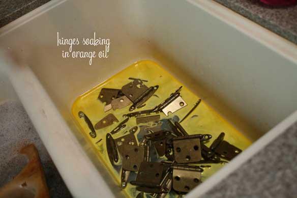 hinges-soaking-in-orange-oil